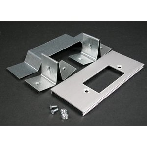 Wiremold AL3346GO Offset GFCI Cover Plate / AL3300 Series Divided Raceway, Aluminum