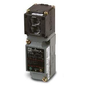 Eaton E51ALP1 Sensor, Photoelectric, E51 Series, Limit Switch Style, Reflex