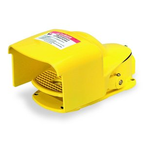 Square D 9002AW2 Foot Switch, Pedal/Side Shields, 5A, 600V AC/DC, Yellow, Momentary
