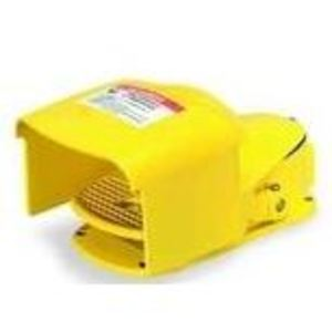Square D 9002AW1 Foot Switch, Yellow, 15A, 600VAC, Momentary, Aluminum, Unguarded