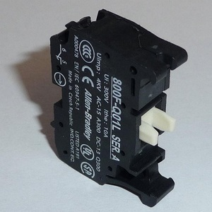 Allen-Bradley 800F-PX20 Latch Mount, Plastic, 22.5 mm, 2NO Contact Block