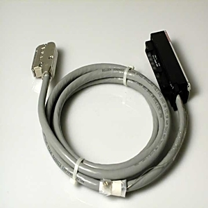Allen-Bradley 1492-ACABLE025WB Cable, Pre-wired, 22AWG, 9 Twisted Pair, Shielded, 2.5m, (8.2')