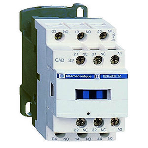 Square D CAD32G7 Relay, Control, 5P, 3NO, 2NC, 120VAC Coil, 690VAC, Screw Clamps