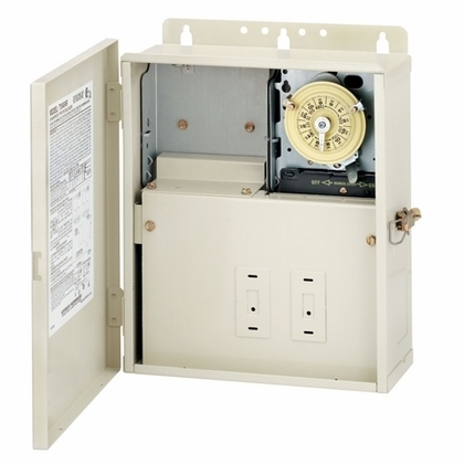 30 A Power Center with T104M Mechanism